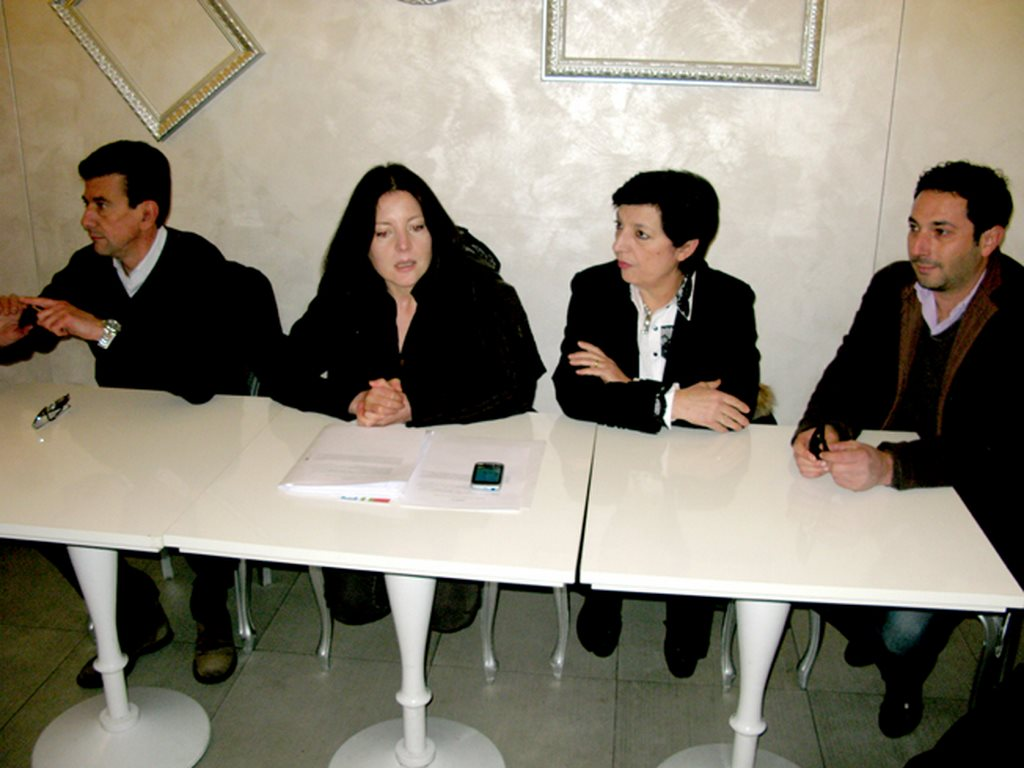 Da sinistra Marco Leopardi, Maria Grazia Pantone, Mirella Franco e Cristiano Saletti, candidati della lista Cuperlo