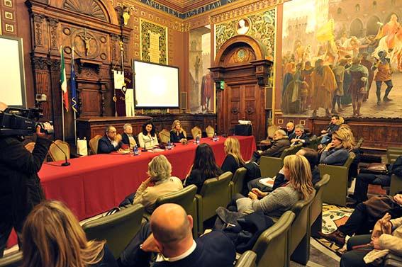 Presentazione_libro_Emmanuelle_De_Vellipen_con_Adriano_Sofri_Andrea_Angeli (1)