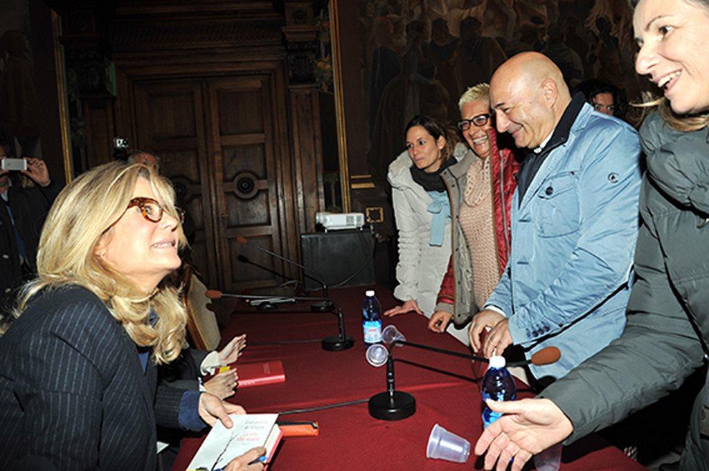 Presentazione_libro_Emmanuelle_De_Vellipen_con_Adriano_Sofri_Andrea_Angeli (9)