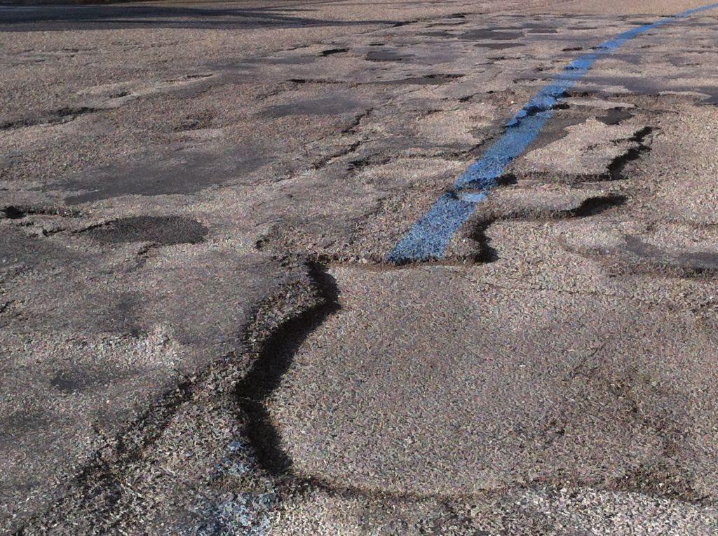 Sacchi degrado strade macerata 2