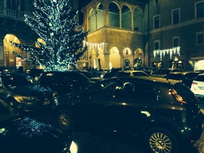 piazza_liberta_28_dicembre_mauro_giustozzi3-650x487