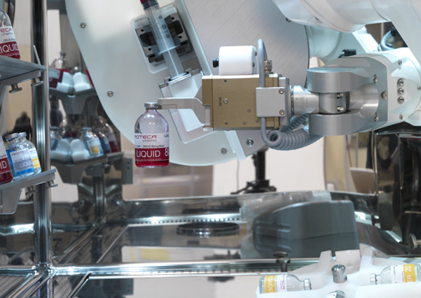 069-Operazione di manipolazione flaconi in ambiente chiuso e a controllo microbiologico-low