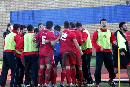 L'Ancona festeggia il gol vittoria
