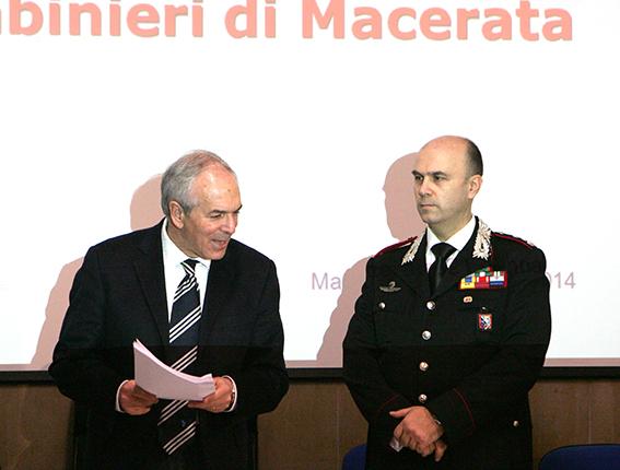 Il procuratore Giovanni Giorgio e il colonnello Leonardo Bertini durante la conferenza stampa