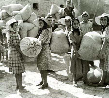 L'ammasso del grano (Carlo Balelli, 1932)