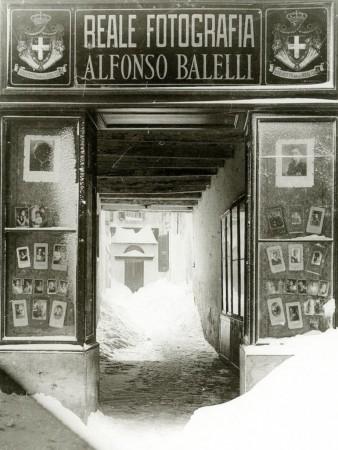 Studio fotografico Balelli, in via XX Settembre a Macerata (1929)