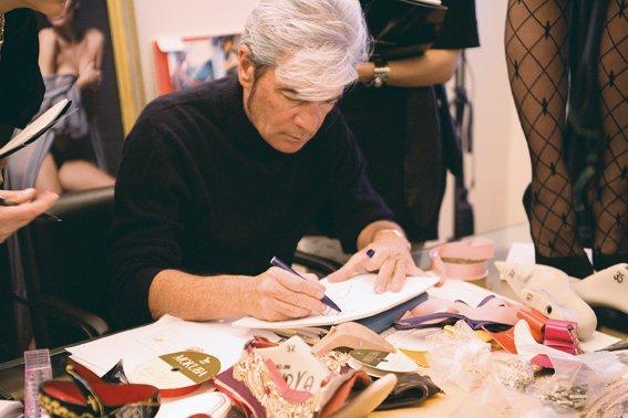 Cesare Paciotti a lavoro