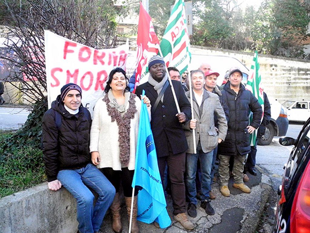 protesta_cgil_cisl_uil_tribunale_Macerata (5)