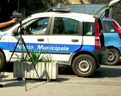 Il telelaser in dotazione alla polizia municipale di Macerata