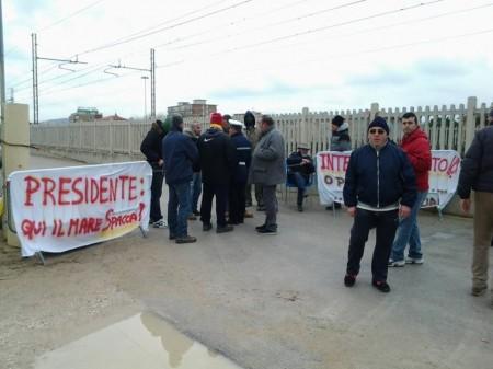 Bagnini Incatenati a Porto Recanati