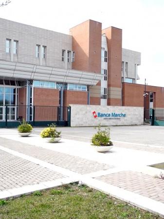 Il quartier generale della Banca delle Marche a Jesi