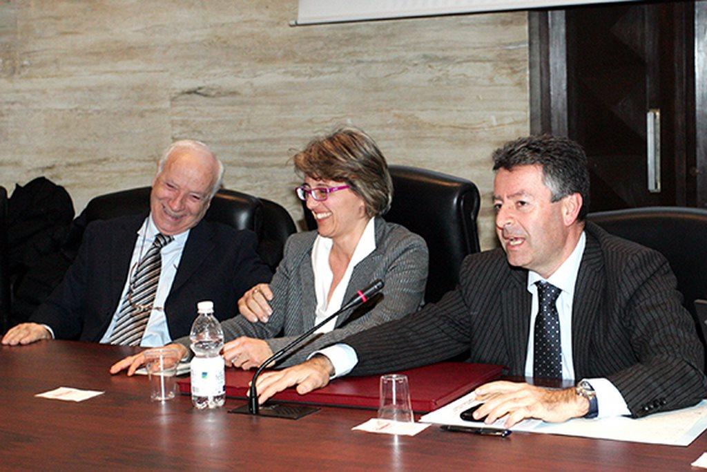 Da sinistra: il presidente di Confartigianato, Renzo Leonori, Liana Feliziani della Vigilanza e il vice direttore della sede di Ancona di Bankitalia, Gennaro Gigante
