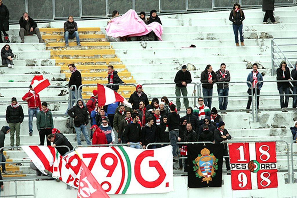 Tifosi_Vis_Pesaro (1)