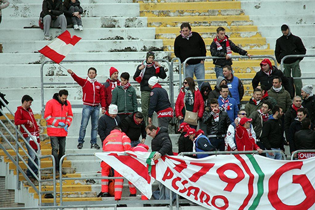 Tifosi_Vis_Pesaro (3)