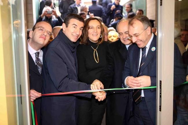 Ignazio Abrignani, Deborah Pantana, Remigio Ceroni ed Enzo Marangoni inaugurano il club Forza Silvio