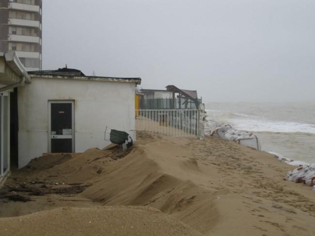 Lido Bello beach dopo la mareggiata