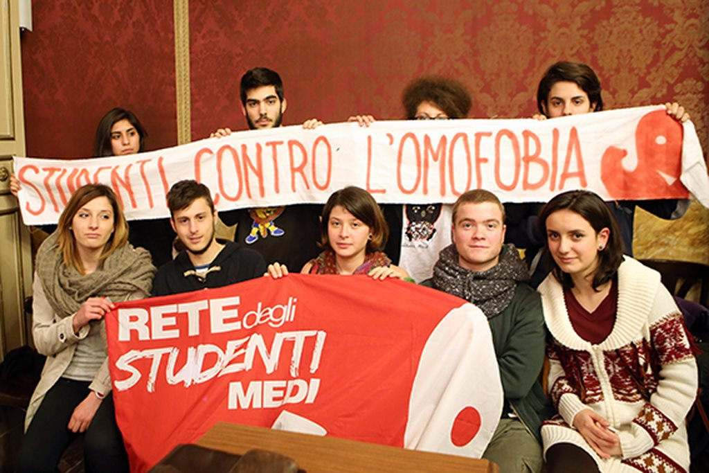 studenti_contro_Omofobia_consiglio_comunale (1)