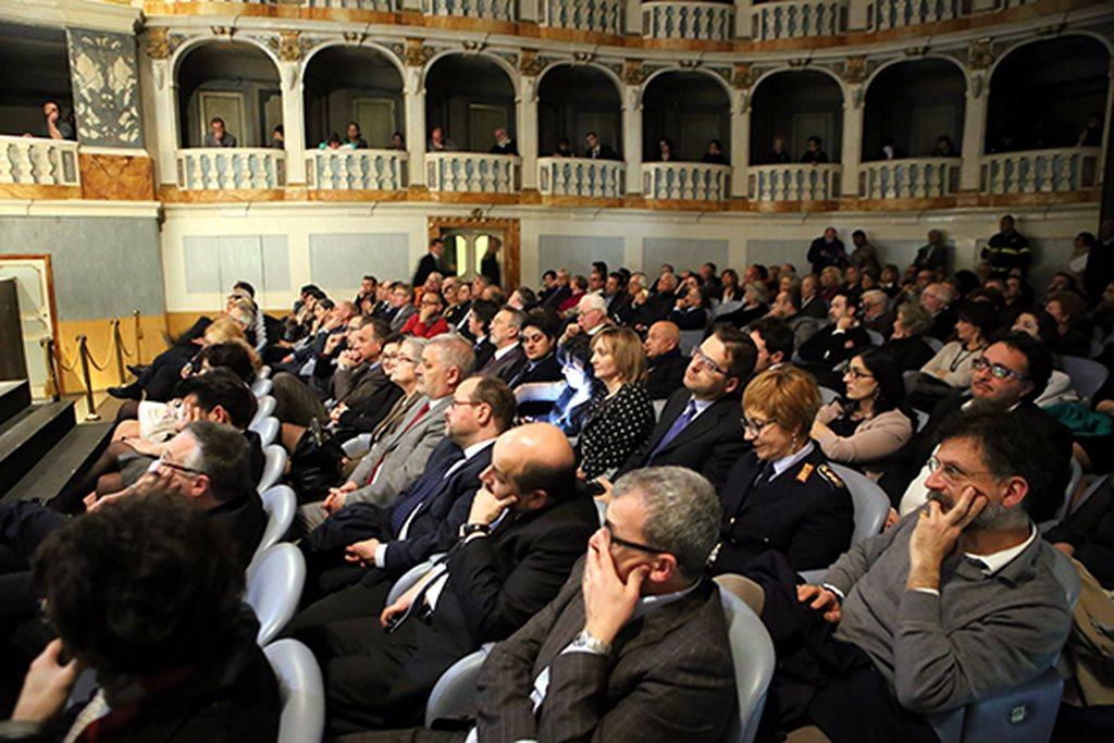 Cerimonia_Palazzo_Buonaccorsi_al_Teatro_Lauro_Rossi (1)