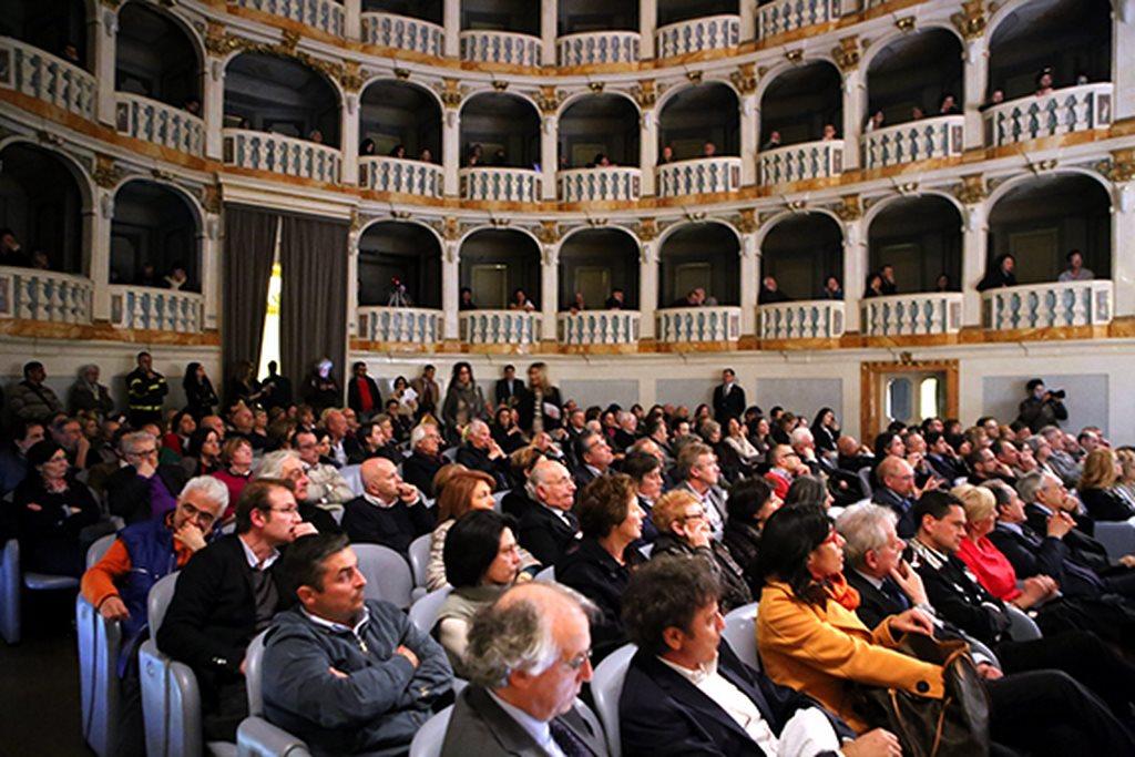 Cerimonia_Palazzo_Buonaccorsi_al_Teatro_Lauro_Rossi (4)