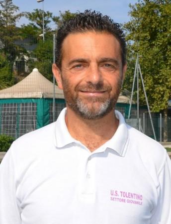 L'allenatore della juniores del Tolentino Raffaele Gesuelli