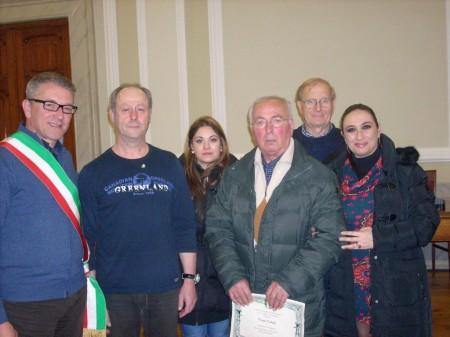 La premiazione con il sindaco Ripani e il consigliere provinciale Agostini