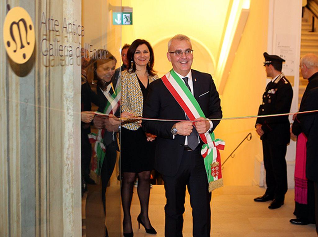 Taglio_Nastro_Palazzo_Buonaccorsi (1)