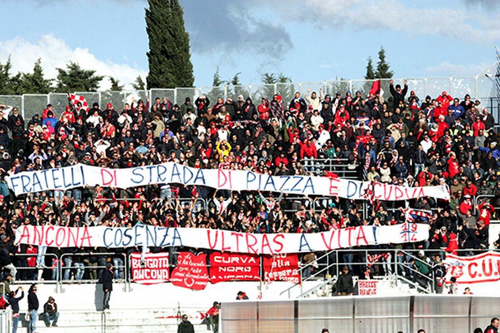 Tifosi_Ancona (4)
