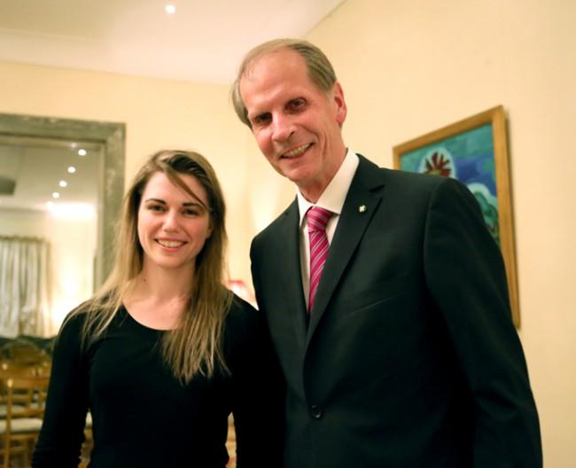 La pianista Ottavia Maria Maceratini e l'ambasciatore tedesco Reinhard Schafers