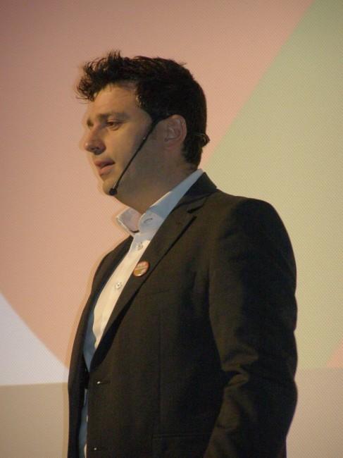 Alessandro Delpriori durante la presentazione della sua candidatura