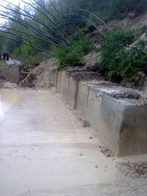 La strada chiusa a Caldarola