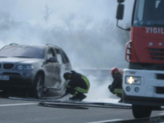 incendio auto 2