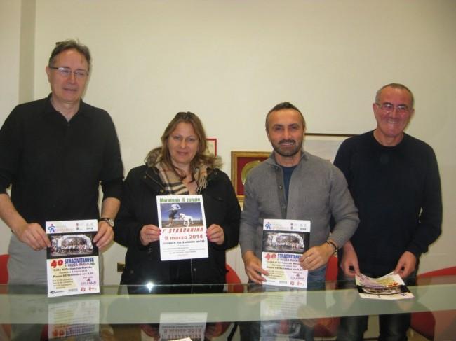 Da sinistra l'assessore allo sport Piergiorgio Balboni, Sonia Quercetti ed Emanuele Baldoni di Cluana Dog e l'organizzatore della Stracivitanova Sergio Bambozzi