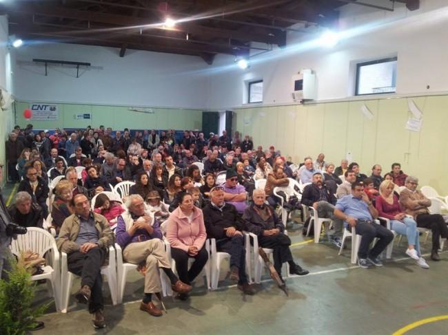 lla palestra Diaz il pubblico ascolta la presentazione di Noi per Porto Recanati