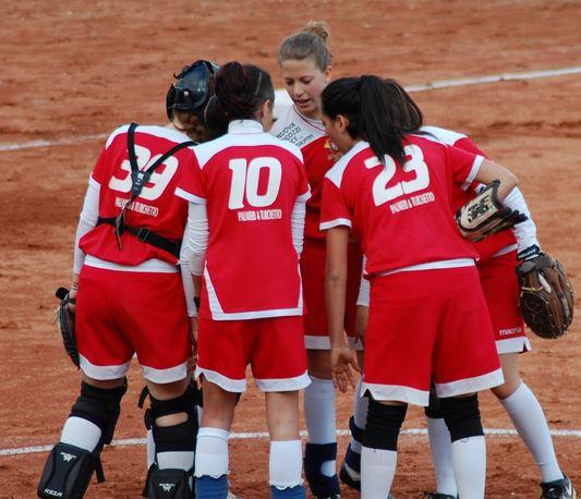 Le ragazze del Macerata Softball pronte all'esordio