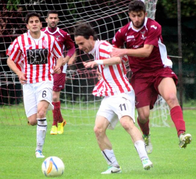 Borrelli in azione: il suo gol ha deciso il match