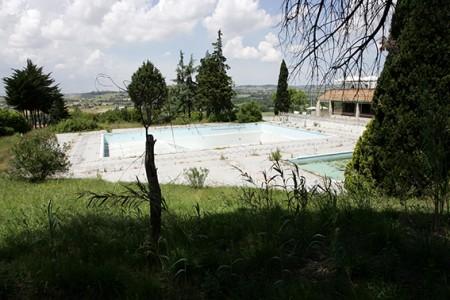 La piscina della Filarmonica in via Valenti