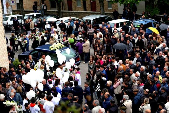 Funerale_Valentina_Colmurano (1)