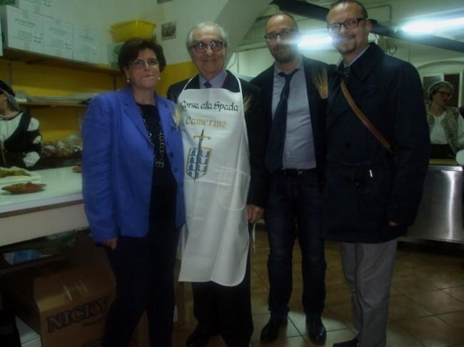 Gualtiero Marchesi in visita alle taverne (2)