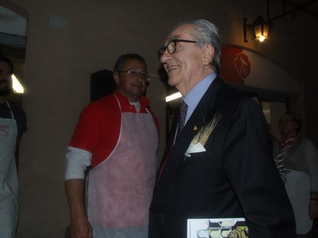 Gualtiero Marchesi in visita alle taverne (3)