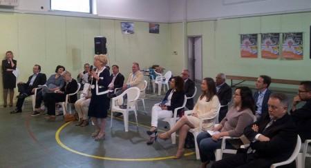 Il  sindaco uscente Rosalba Ubaldi presenta i componenti la lista Grande Futuro per Porto Recanati