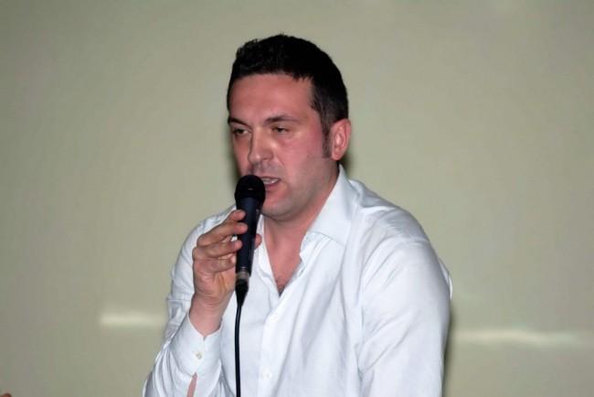 Il candidato sindaco di MeritiAmo Treia durante la presentazione di ieri sera
