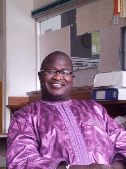 Mustafa Diop, 43 anni, senegalese, è il leader dell'associazione Guy Ghi e lavora in portineria all'Hotel House