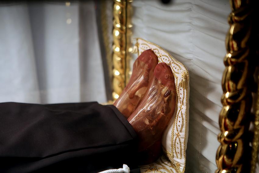 I piedi della Beata (foto di Guido Picchio, vietata la riproduzione)