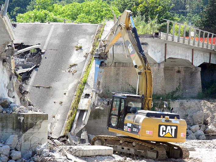 demolizione ponte colbuccaro-fistra_fiume Guado (10)