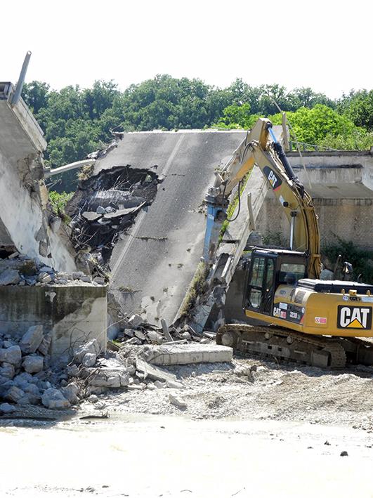 demolizione ponte colbuccaro-fistra_fiume Guado (15)
