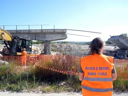 demolizione ponte colbuccaro-fistra_fiume Guado (21)