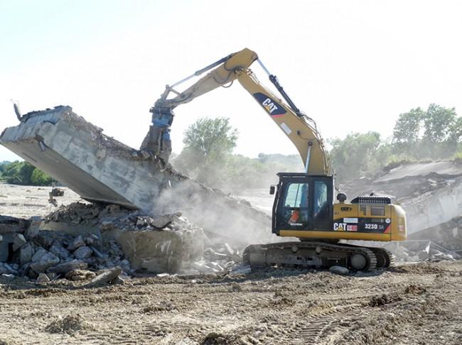 demolizione ponte colbuccaro-fistra_fiume Guado (23)