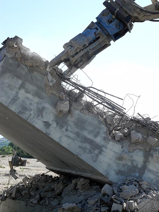 demolizione ponte colbuccaro-fistra_fiume Guado (24)