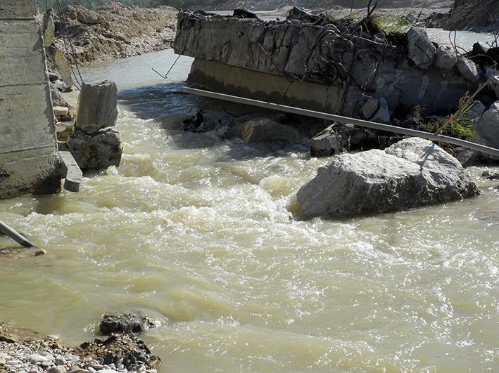 demolizione ponte colbuccaro-fistra_fiume Guado (26)