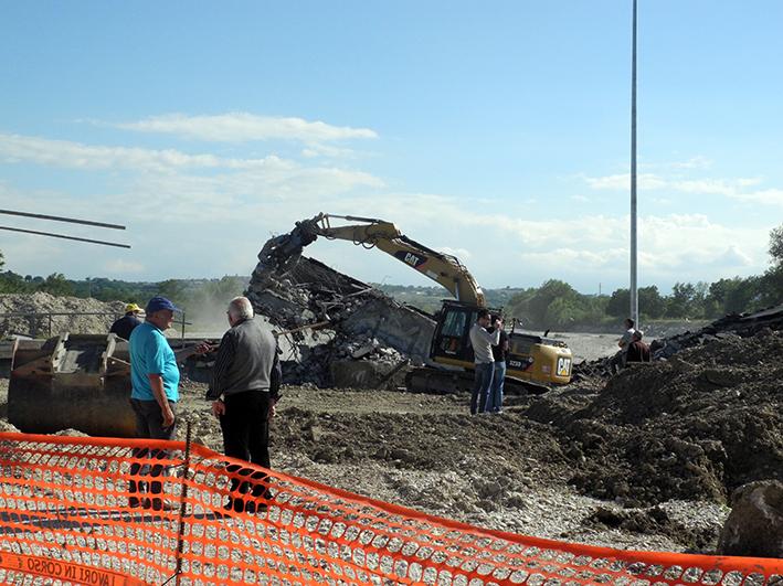 demolizione ponte colbuccaro-fistra_fiume Guado (28)